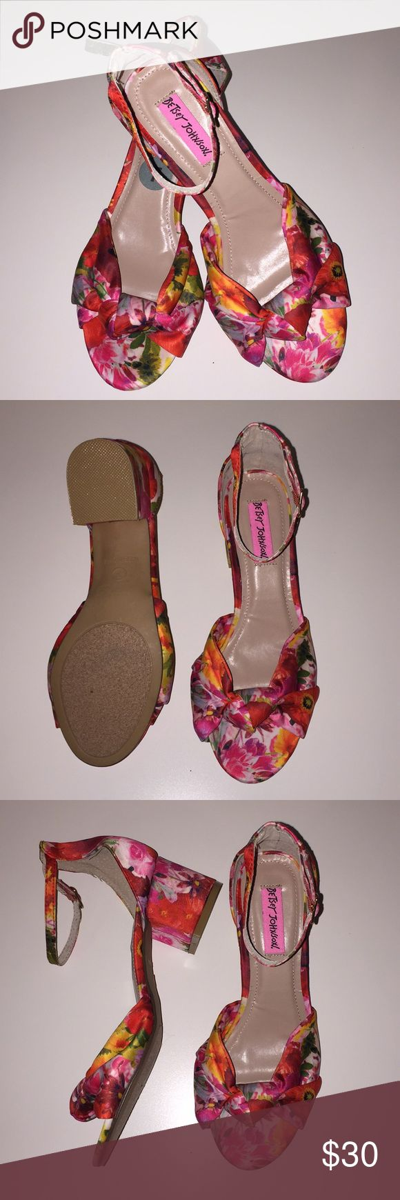 Betsy Johnson floral heel sandals NEW SZ 7 Gorgeous heel sandal strap ankle the whole shoe is bright color Betsy Johnson fabric. Lined in leather very comfortable with the padded footbed. Betsy Johnson Shoes Sandals