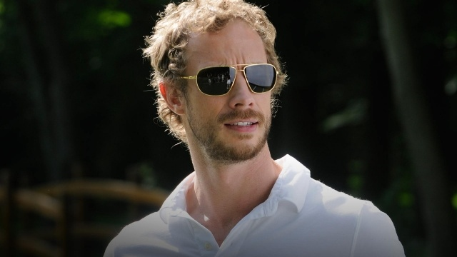 Dyson, a handsome devil whatever his guise.Lost Girls 3, Girls Generation, Girls Seasons, Lost Girl3, Girls Photos, Holden Ried Mi Addict, Lost Girlxenads9Worlduniv, Kris Holden Ried Mi, Handsome Deviled