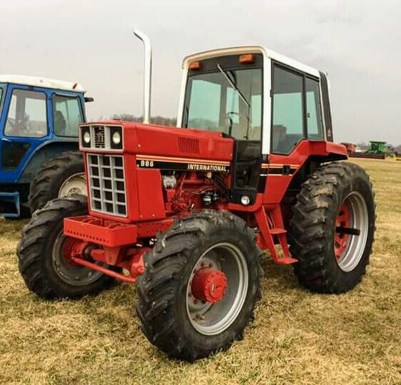 International Harvester 986 Tractor : Ih fwd old red pinterest tractor and case