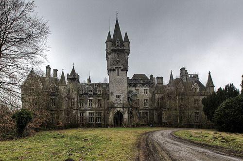 Château de NoisyCelles dans la commune namuroise de HouyetBelgique50.22167,4.99