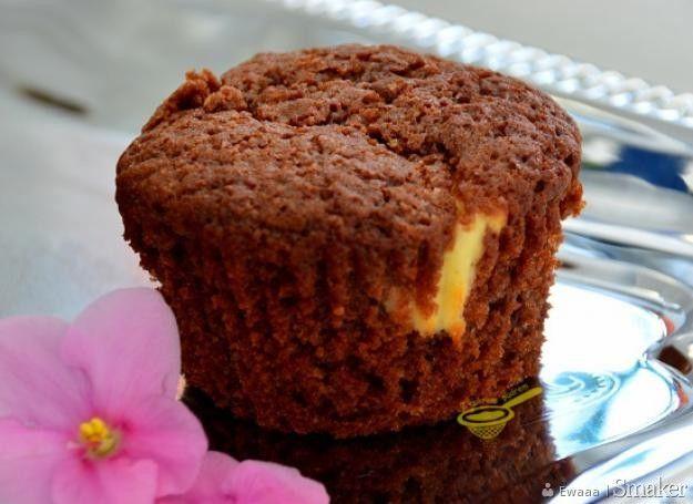 https://smaker.pl/przepis-muffinki-quot-izaura-quot-czekoladowe-z-twarogiem,124487,ewaaa.html