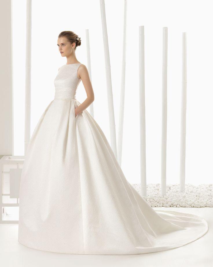 Polka dot brocade bridal gown. Rosa Clará 2016 Collection.