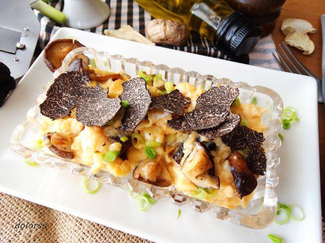 Blog de cuina de la dolorss: Huevos trufados revueltos con ajetes, ceps y trufa negra tuber melanosporum