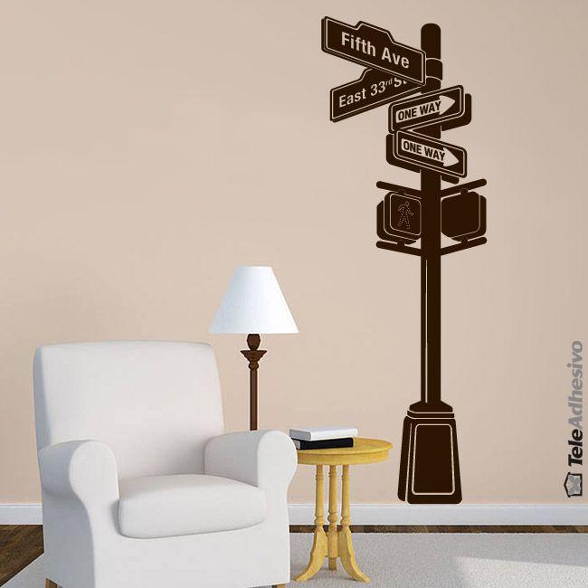Poste señal calles de Nueva York en la intersección de la 5 avenida y la calle 33 este. Todo un símbolo americano .Perfecto para dar un toque diferente en un rincón de tu hogar #teleadhesivo #decoracion