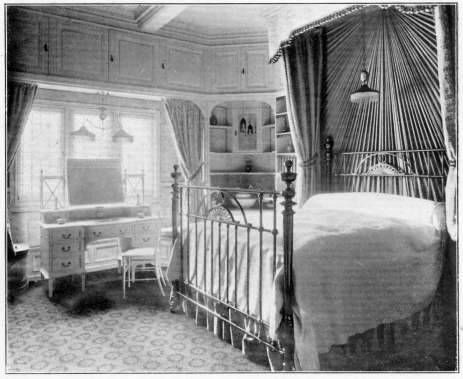 How to Decorate a 1920s Bedroom