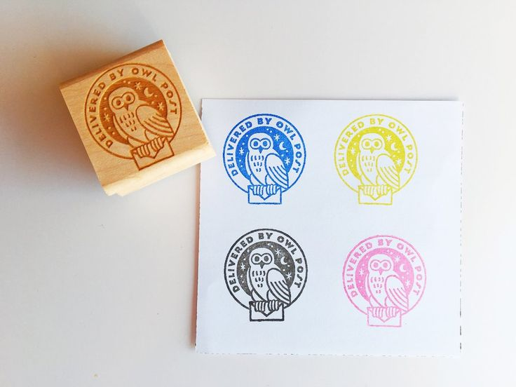 It's easy to imagine sending mail from Hogwarts School of Witchcraft and Wizardry with this stamp! An owl gripping an envelope and flying by night. Have you always wanted to send mail the way they do