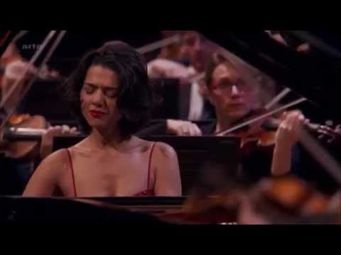 Khatia Buniatishvili plays Grieg's Piano Concerto , truelly youthfull interpretation of the concert :) But it is a big joy to play it...hanfull harvesting indeed!