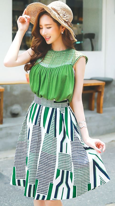 StyleOnme_Geometric Lines and Dots Print Flared Skirt #green #abstract #print #skirt #cute #sweet #summer #koreanfashion #koreanstyle