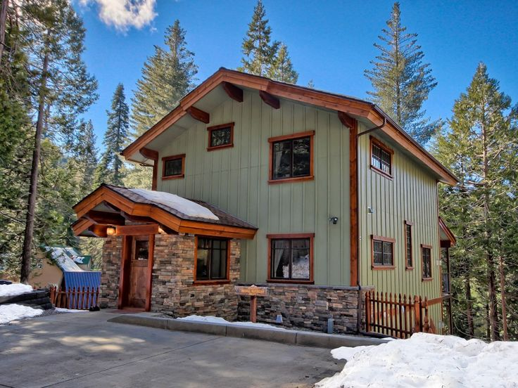 9 best yosemite rentals images on pinterest vacation for Yosemite national park cabin rentals