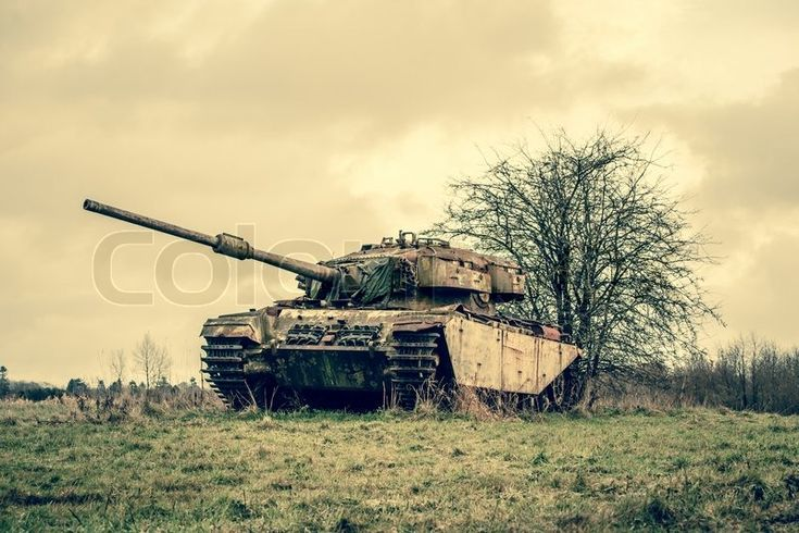 Stock image of 'Old tank in autumn nature'