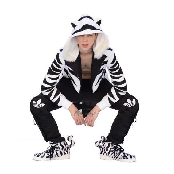 adidas jeremy scott zebra