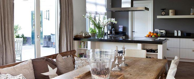 Welkom thuis bij Livingstone Al onze ontwerpen worden op maat gemaakt. Het ontwerp van uw droomhuis zal dan ook voldoen aanuw eigen wensen en ideeën....