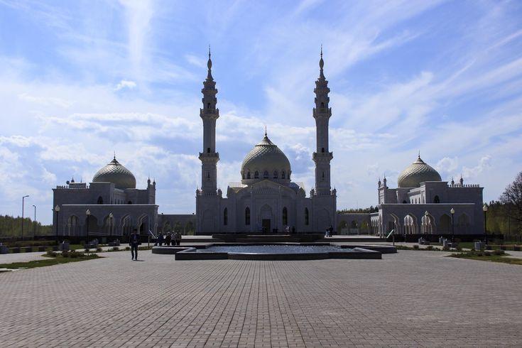 *600 moschee verdi*. Nasceranno in #Marocco entro il 2019 Nello Stato che ospiterà la prossima COP22 i luoghi di culto saranno all'insegna di #rinnovabili ed efficienza energetica