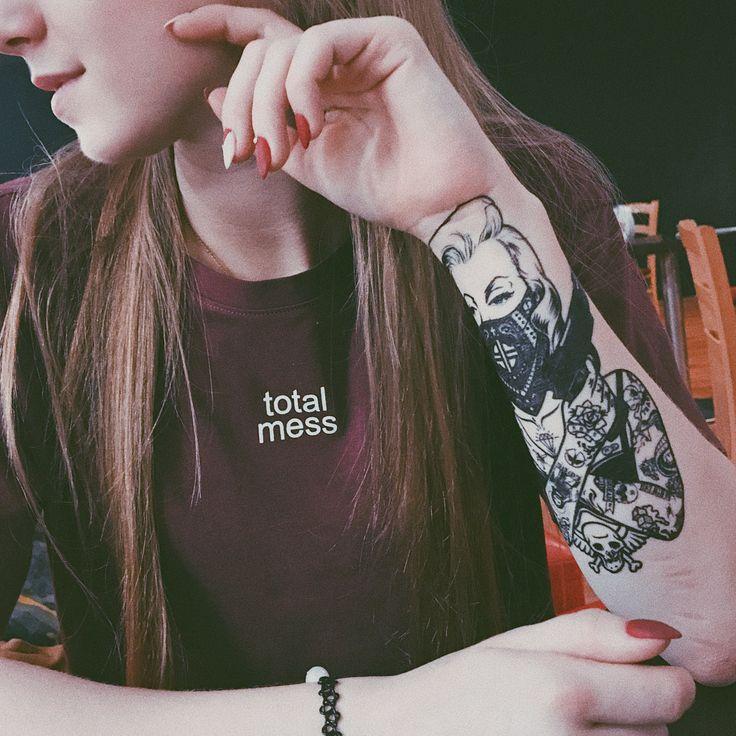 #tattoo #girl #tumbler #татуировка