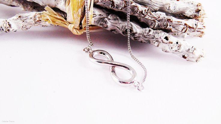 Infinity-Halskette bei Amy&Zoey http://www.amyzoey.de/kette-sterling-silber-1395.htmlte-in-schmuckstuecken-vereint/#more-3092