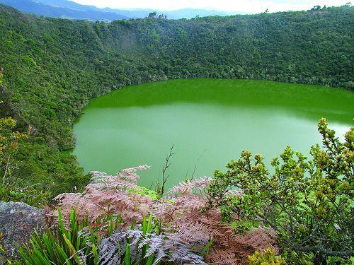 Laguna de Guatavita. Esta foto es especial por dos cosas: 1. la tomé en Guatavita, de dónde es mi mamá; 2. salió en un documental de History Channel.