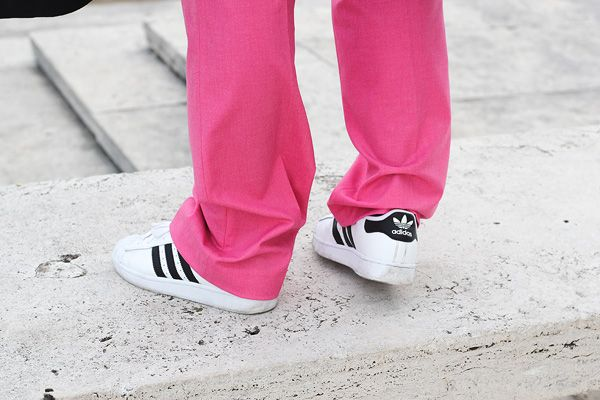 PINK TROUSERS | Dress Up For Armageddon http://www.dressupforarmageddon.com/2014/11/10/zara-pink-trousers/
