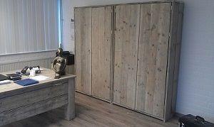 Steigerhouten archiefkast afgewerkt en opmaat gemaakte kast.