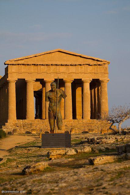 Valle dei Templi, Agrigento, Sicily - the best preserved Greek Temple, sculpture: Igor Mitoraj #agrigento #sicilia #sicily #sicile