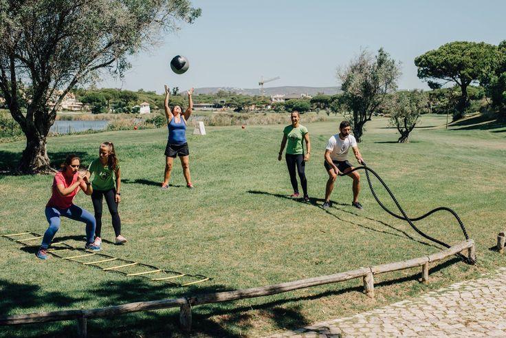 Treino Small Groups Treine com os seus amigos e divirta-se enquanto queima calorias.  www.personaltrainers.com.pt