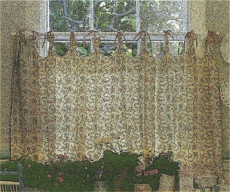 Tipos de cortinas visillos y estores.- Ventanas largas y estrechas. Las cortinas deben llegar hasta el suelo y durante el día pueden sujetarse con unos