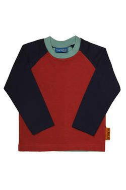 Boys essential top with raglan sleeves and colour-blocking, finished with a Naartjie Kids SA label.