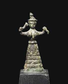 earth goddess with snakes Whereas the first figurine shows the goddess holding up two small snakes in her hand,  themis and dione – were the earliest earth and mother goddesses.