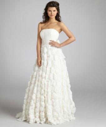 ..: Strapless Rosette, Gowns 59800, Makali Ivory, Rosette Gowns, Alberto Uneasy, Ivory Silk, Silk Strapless, Beautiful Dresses, Products