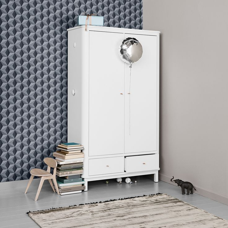 Wood Collection wardrobe w. 2 doors by Oliver Furniture.