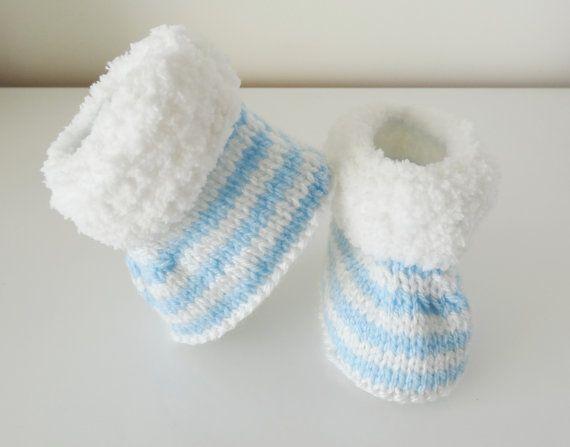 chaussons bébé   bottes bébé en laine  chaussures bébé par Estechou