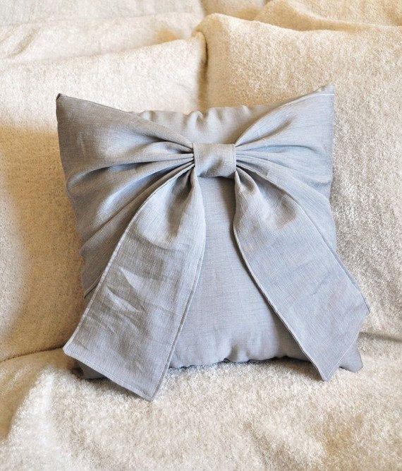 bow pillow: Cute Bows, Decor Ideas, Cute Pillows, Bows Pillows, Decor Pillows, Throw Pillows, Big Bows, Guest Rooms, Gray Pillows