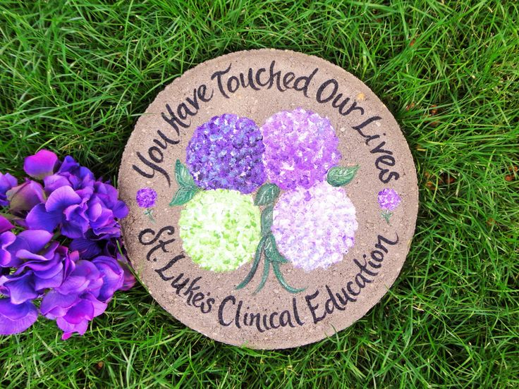 17 best ideas about painted stepping stones on pinterest - Hand painted garden stones ...