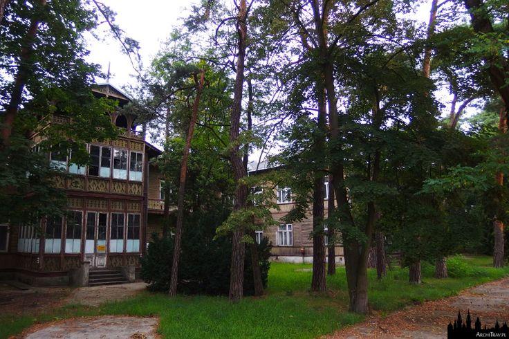 """Pensjonat A. Gurewicza, tzw """"Gurewiczanka"""" w Otwocku. styl: świdermajer.   ArchiTrav"""