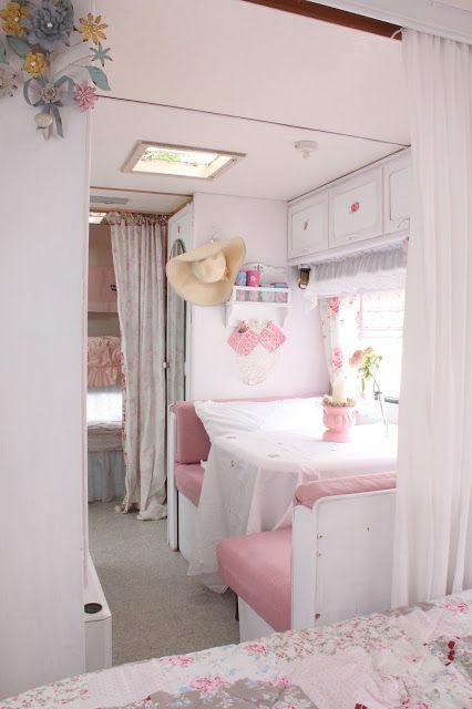 Heavens rosé Cottage: Unser rosa Campingwagen