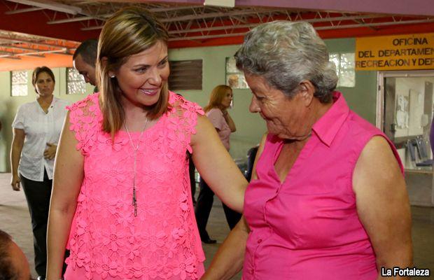 Primera Dama participa de Feria de Servicios al Ciudadano en Yabucoa