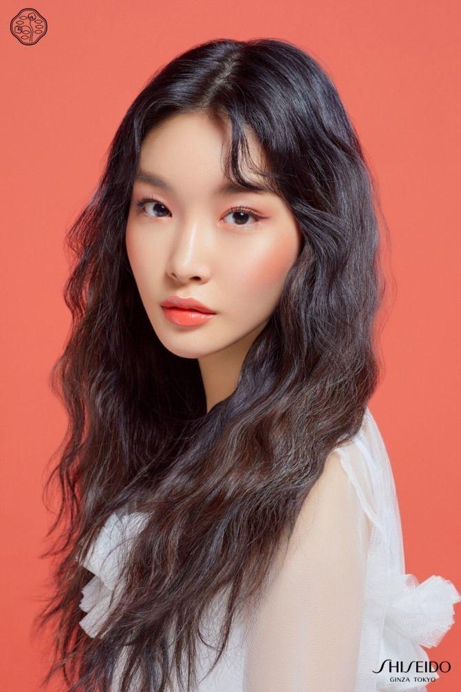 Kim Chung Ha Siempre Lo Digo Aunque Las Chicas Qui Tenemos El Pelo Fino U Poco Pelo Nos Quej Kpop Hair Kim Kpop Girls