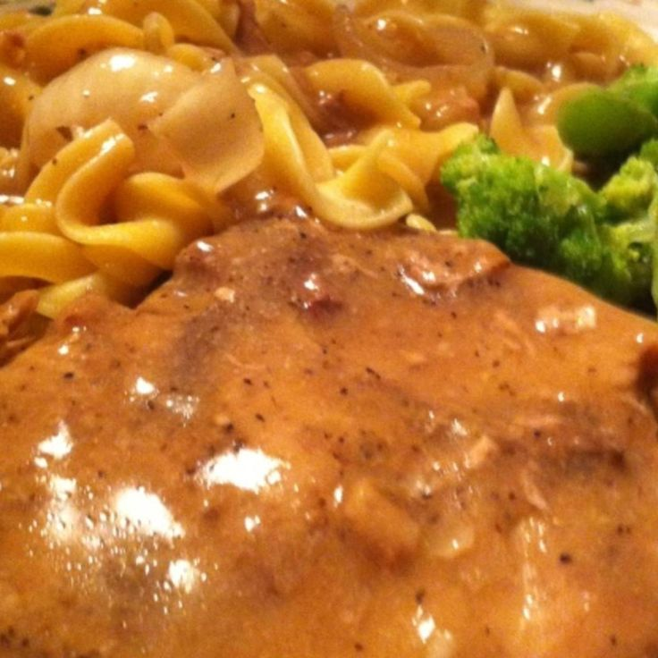 CENTER CUT PORK CHOPS AND NOODLES WITH MUSHROOM GRAVY AND BROCCOLI IN GARLIC BUTTER