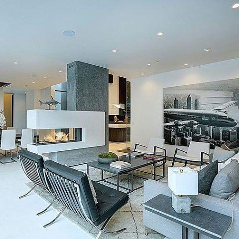 Hythe Court Home by Amit Apel Design #homeadore #livingroom #interior #interiors #interiordesign #interiordesigns #residence #home #casa #property #villa #maison #beverlyhills #california #unitedstates #usa #amitapeldesign