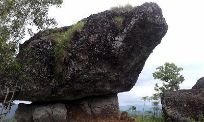 JOGMAG: Visit Watu Tumpang Desa Ngalang Yogyakarta
