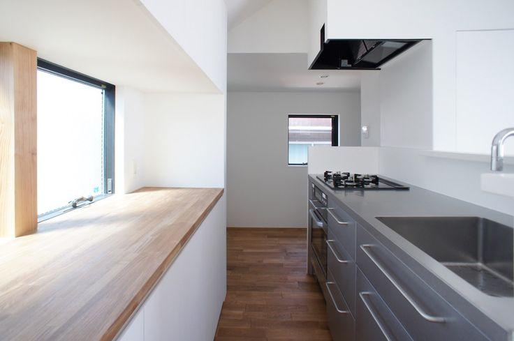 #出窓が作業台 GREEN WALL / CUBO design architect