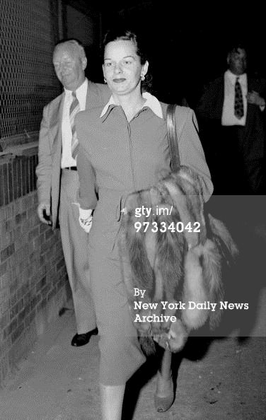 8th August 1947: On way to Miami, Virginia Hill, girl friend of the slain gambler Bugsy Siegel, walks from plane at Laguardia Field last night. (Photo by NY Daily News Archive via Getty Images)