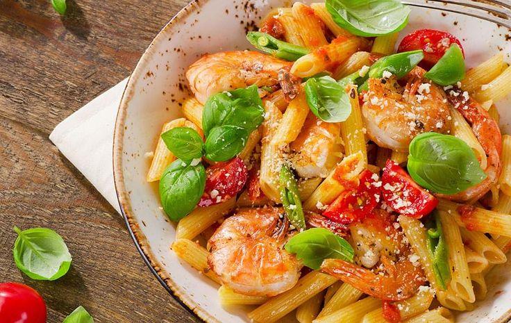 Pâtes aux crevettes, tomates et basilic [en Entrée] | Une recette SOSCuisine