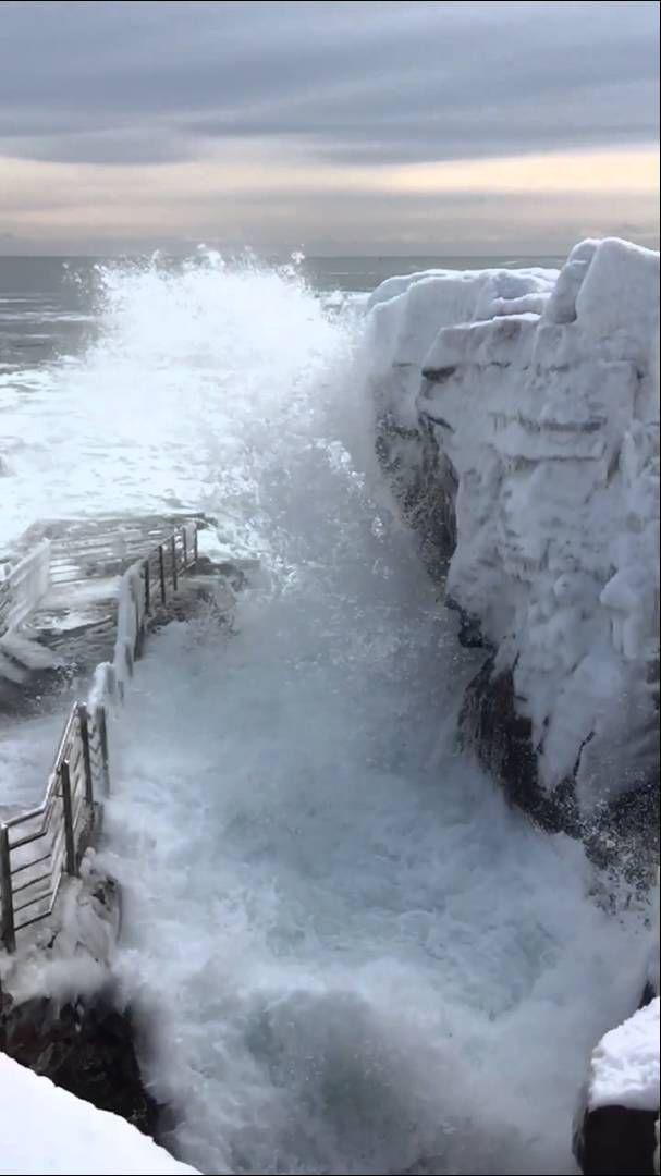 Thunder Hole Acadia National Park In Winter Beautiful