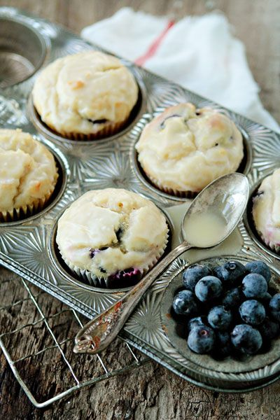 Lemon Blueberry Doughnut Muffins - going to try this with Raspberries instead.