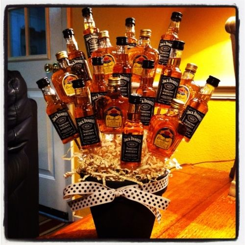 Mini liquor bottles glued to sticks in a gift basket: Gifts Baskets, Gifts Ideas, Jack Daniel, 21St Birthday, Bouquets, Guys Gifts, Bachelor Parties, Let Get Drunk, Flower