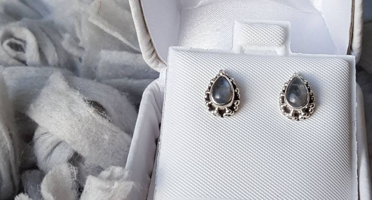 Absolutely beautiful earrings-simple, intriguing and classic-these sterling silver and moonstone earrings make for a stunning & affordable gift! Buy now on Etsy and see why others gave it 5 stars!