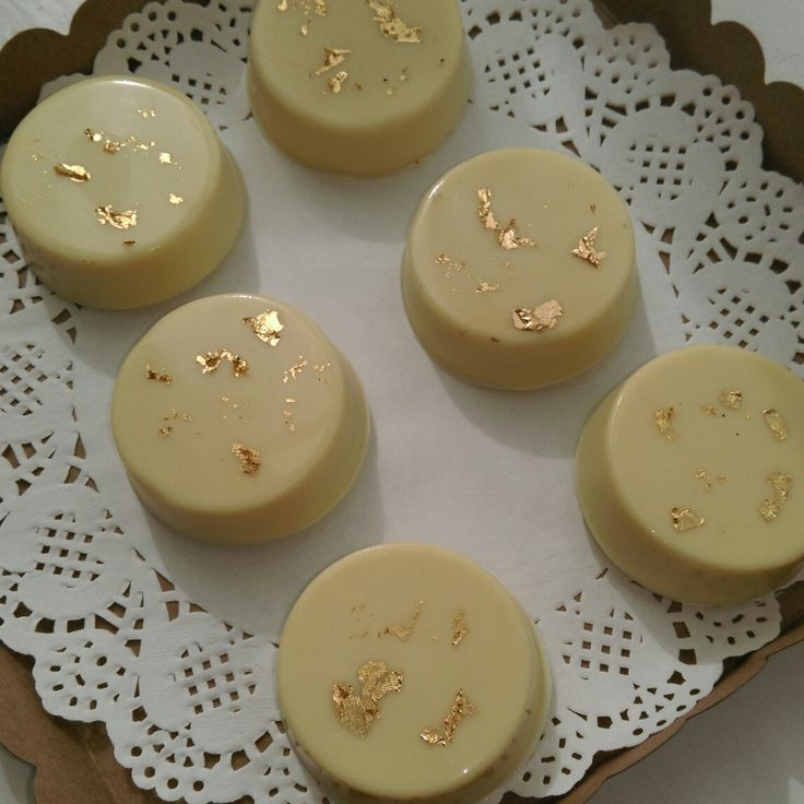 Chocolate Covered Oreos @thelittlebakingco