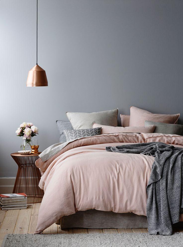 très belle harmonie de couleurs : gris bois cuivre et rose poudré