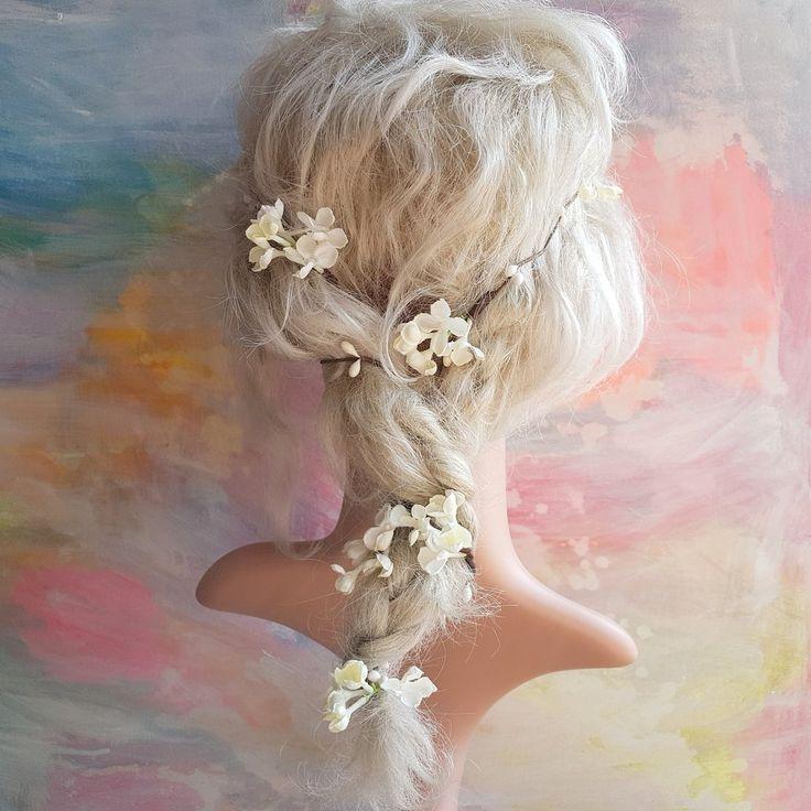 Blomsterranke med hvid syren - til at flette ind i håret