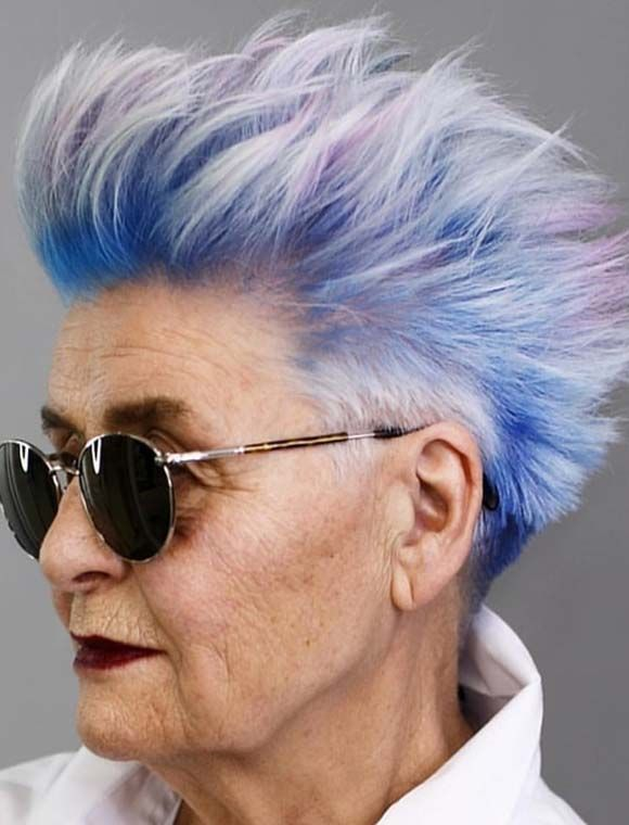 Absolutely Stunning Short Haircuts And Hair Color Combinations For Matured And Old Ladies To Create Right Now Yo Short Grey Hair Short Hair Styles Hair Styles
